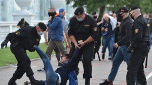 Zákrok proti demonstrantům v Bělorusku